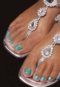 manicura-y-pedicura-pv-2014-azul-turquesa-decorado